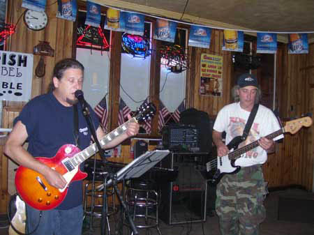 Billy from Bucks Rowe on guitar with Johnny Keys on bass